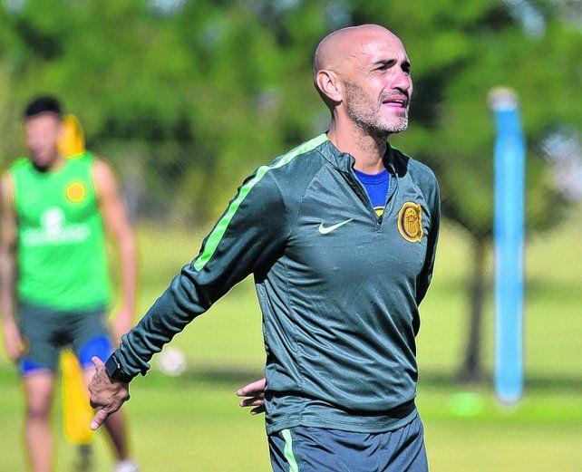 Conductor. Montero se topará el sábado con el equipo al que dejó en diciembre para tomar las riendas futbolísticas de Central.