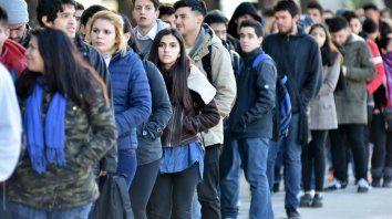 Más de 200 mil jóvenes se acercaron por trabajo a la Expo porteña. Con suerte, apenas pudieron dejar un currículum.
