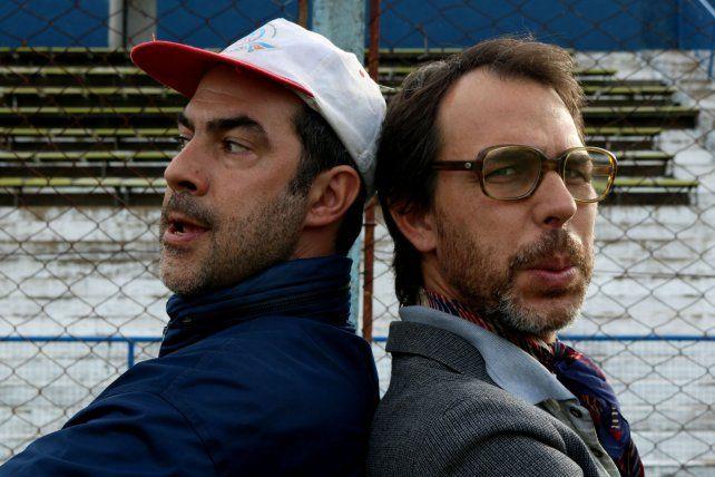 En la cancha. Luciano Temperini y Lautaro Lamas interpretan a dos personas que quieren salvar su club.