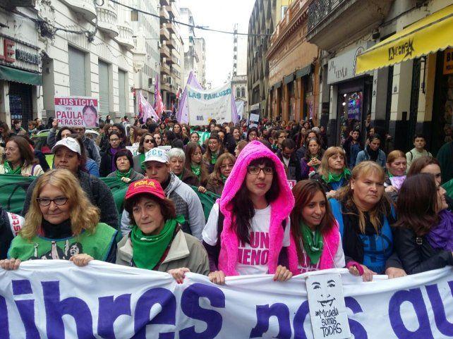 Ni una menos, el grito y el reclamo de una multitud de rosarinos en el Parque España