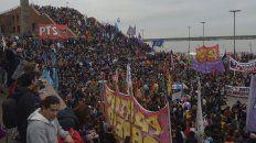 ni una menos, el grito y el reclamo de una multitud de rosarinos en el parque espana