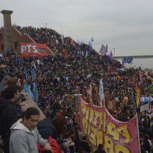 Rosario se movilizó hacia el Parque España para pedir por Ni una menos.