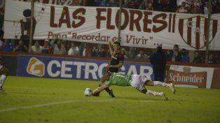 Pudo ser. Tissera exigió a Nereo Fernández con el partido 1 a 1. El pibe entró bien.