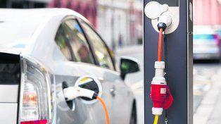 enchufados. Para el 2050 se prevé que el 60% de los autos serán eléctricos.
