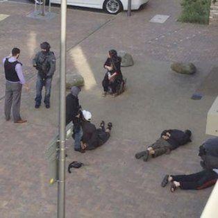 reacción. Ayer hubo varios allanamientos en suburbios de Londres, con 12 sospechosos detenidos.