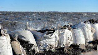 Alertan por la demora en la construcción del terraplén definitivo en la laguna de Melincué