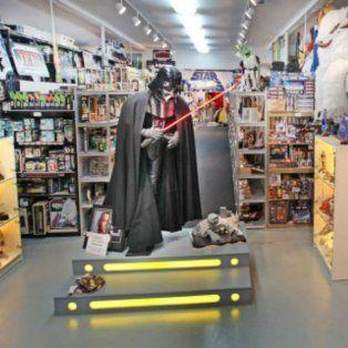 roban valiosas piezas de la mayor coleccion mundial de la saga star wars