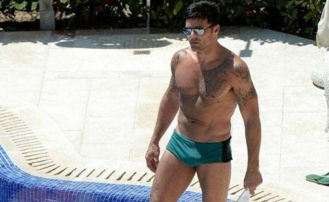 Ricky Martin mostró su lomazo con una sunga súper ajustada en Mallorca