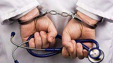 En el momento de la detención en el domicilio del enfermero se encontraban tres menores de edad y un joven de 18 años, supuestamente drogados.