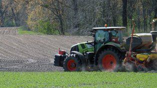 El perro de un granjero puso en marcha un tractor y aplastó a su dueño