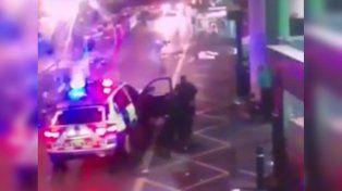 Un video muestra cuando la Policía abatió a tiros a los terroristas en Londres