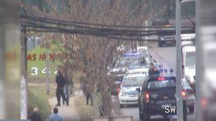 Parte del operativo policial en Sorrento y Casiano Casas.