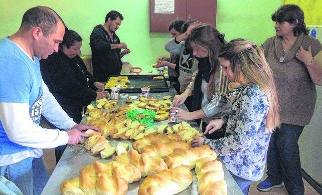 Trabajo comunitario. El merendero de Ciudad Nueva prácticamente triplicó la asistencia a los chicos del barrio.