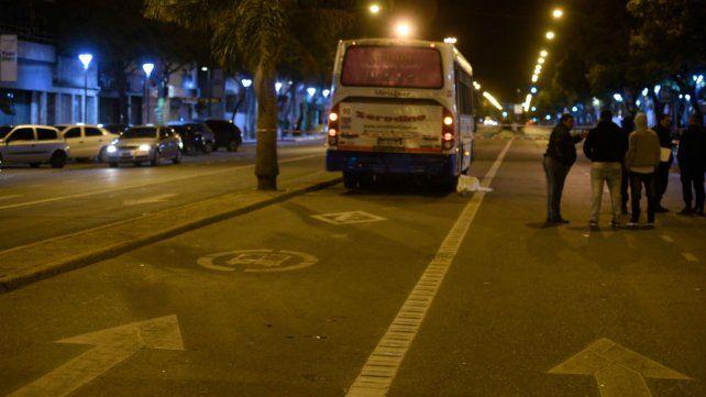 Un adolescente fue atropellado en avenida Alberdi.
