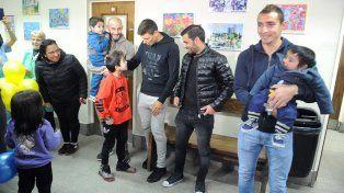 Los referentes de Central le dieron una alegría a los chicos del hospital de Niños