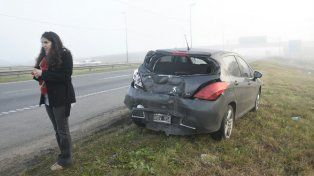 Uno de los vehículos sufrió importantes daños.