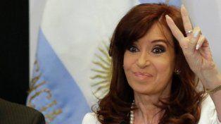 se corta sola. Se mantiene la incógnita sobre si CFK será finalmente candidata a senadora o si en su lugar postulará a su hijo Máximo Kirchner.