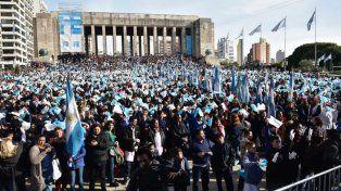 Unos 15 mil chicos prometieron lealtad a la bandera.