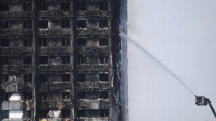 Al menos 12 muertos y numerosos desaparecidos por el incendio en Londres