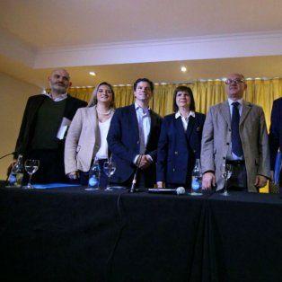La ministra de Seguridad, Patricia Bullrich, junto a otros legisladores y personalidades de Cambiemos.