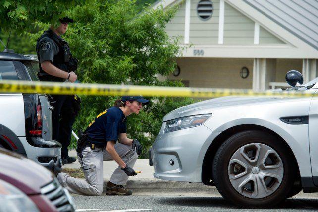 Con un fusil. El FBI recaba pruebas tras el tiroteo en Alexandría
