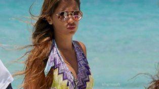 Antonella Roccuzzo deslumbra con un look playero que destaca sus curvas en Ibiza