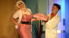 comedia de enredos. Flor de la V interpreta a la dueña de una clínica de cirugía plástica y Osvaldo Laport a un juez que se somete a una lipoaspiración.