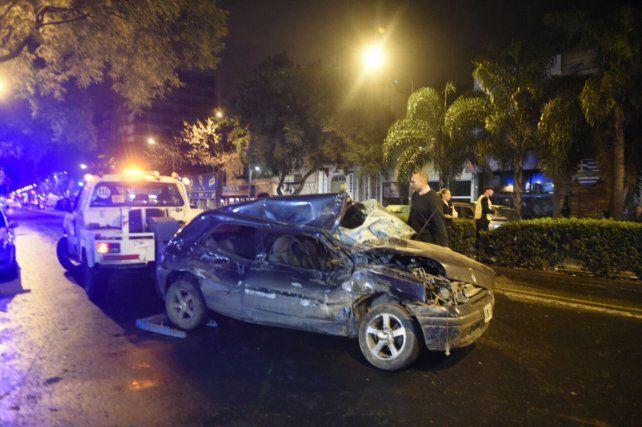 El golpe fue tremendo y el conductor falleció en el acto.