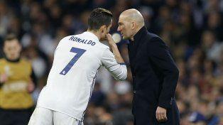 Otros tiempos. Cristiano Ronaldo y Zidane hablan en un partido. CR7 quiere irse.