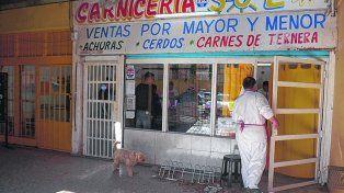 el sol. Uno de los ladrones había entrado a asaltar una carnicería y luego salió a los tiros. Así fue herido Martín.