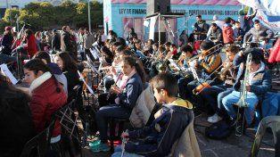 Las orquestas infantiles hicieron sentir su reclamo en el cierre de la Escuela Itinerante