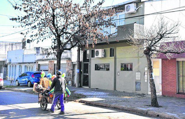 planta alta. La casa de Riobamba al 3900 donde vive la agente de policía Emilse Gabriela H.