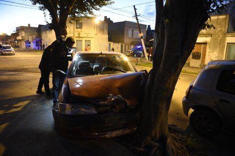 demencial. El accidente ocurrió el lunes en Laprida y Láinez.