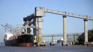 Los puertos del Cordón Industrial al norte de Rosario normalizan la actividad.