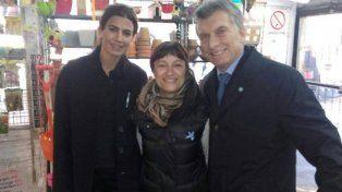 Leila junto a Juliana Awada y Mauricio Macri ayer en el vivero Isla Verde.