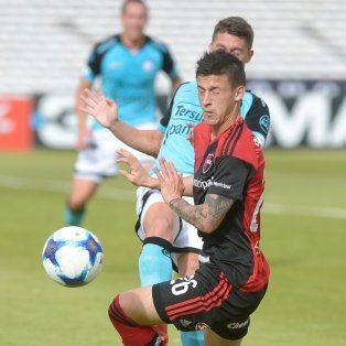 Empate en Córdoba. Fértoli disputa un balón en el Kempes, en el 1-1 ante Belgrano.