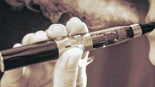 ¿Alternativa? En la Argentina el cigarrillo electrónico está prohibido porque no se conocen en profundidad sus efectos a mediano y largo plazo. En otros países su uso está habilitado.