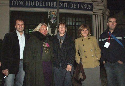 la campaña de 2009. El empresario Enrique Antequera con Elisa Carrió
