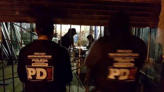 Detenidos y secuestro de drogas y precursores químicos en tres allanamientos de la zona oeste