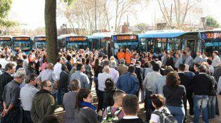 Presentación. Los ómnibus fueron puestos a la vista de los usuarios en el Centro Municipal de Distrito Sur.