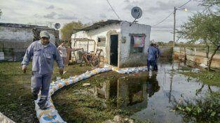 En la zona de La Vuelta del Paraguayo se están adoptando medidas por si el río continúa creciendo.