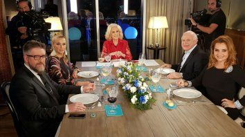 Mesaza completa. Los invitados de Mirtha en su primera noche en Rosario.