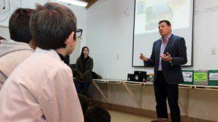 presente. El intendente Raimundo participó de la primera reunión.