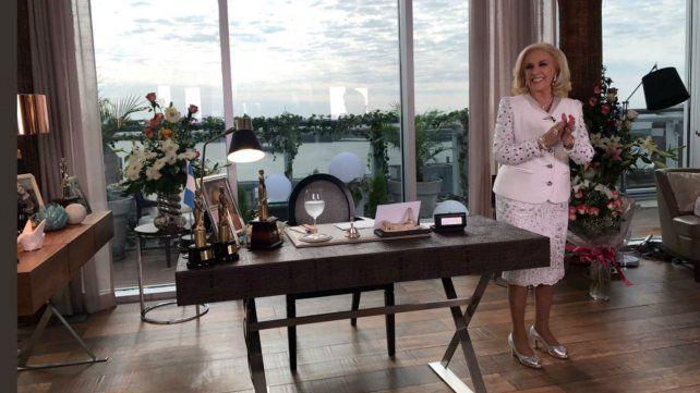 La intendenta estará como invitada en el almuerzo de Mirtha Legrand desde Rosario