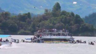 Conmoción en Colombia por el naufragio de una embarcación con 150 turistas