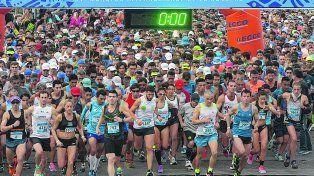 En movimiento. A las 9 se largó el Maratón Internacional de la Bandera