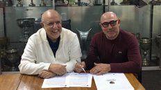 el chocho llop firmo el contrato y se convirtio en el nuevo entrenador de newells