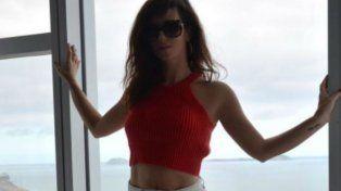 Griselda Siciliani se escapó a Río de Janeiro y siempre sexy mostró sus curvas en la playa