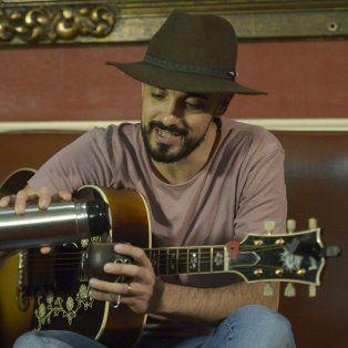Distendido. Abel Pintos grabó un Facebook Live para La Capital y habló de sus sueños y proyectos.