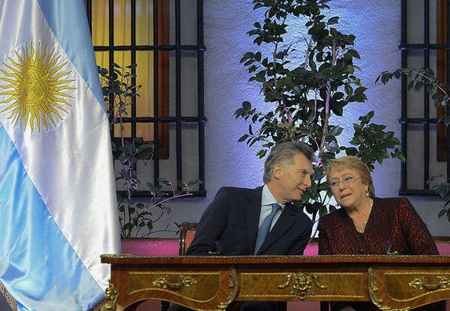 Macri invitó a Bachelet a participar de la Cumbre del Mercosur que se hará en Mendoza en julio.
